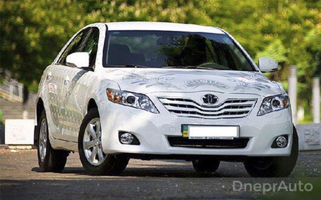 Аренда Toyota Camry Swarovski на свадьбу Днепр