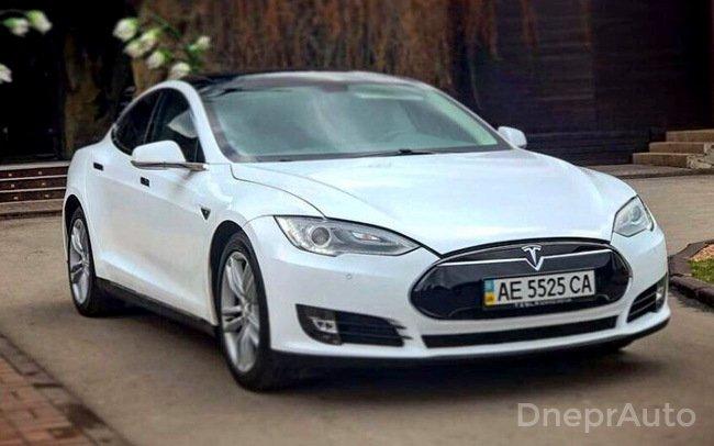 Аренда Tesla Model S на свадьбу Дніпро