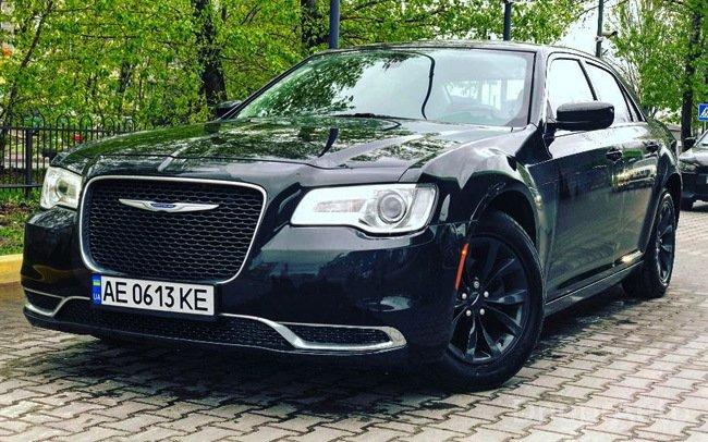 Аренда Chrysler 300C New Рестайл на свадьбу Дніпро