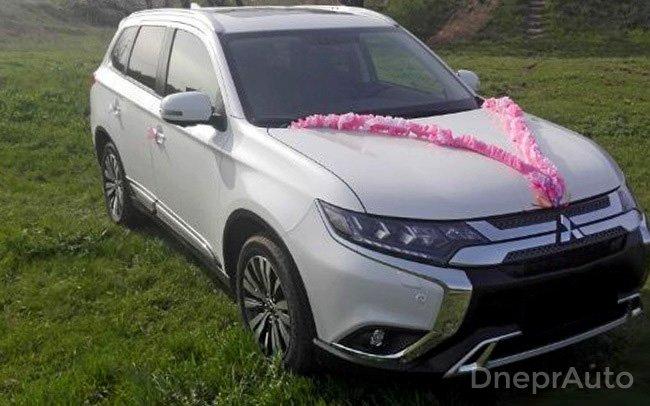 Аренда Mitsubishi Outlander New на свадьбу Днепр