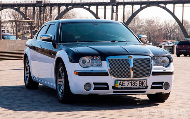 Аренда Chrysler 300C Кит на свадьбу Днепр